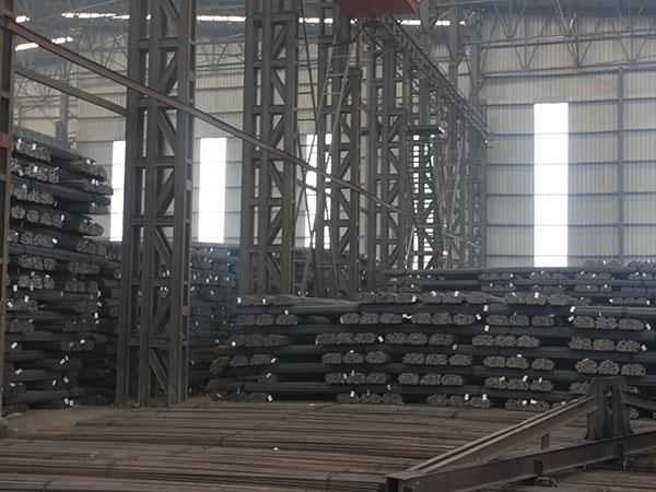 库房一角-保定螺纹钢-保定盘螺钢-保定钢材-保定建筑钢材